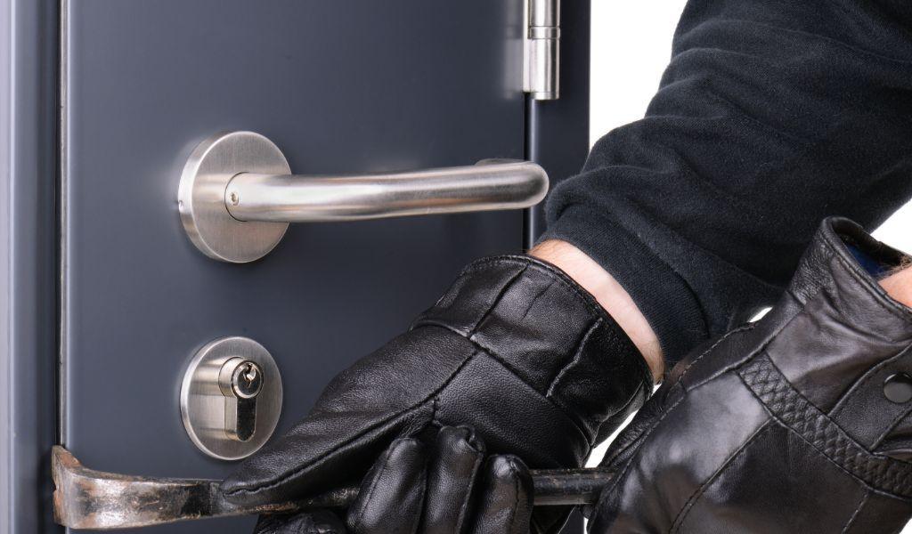 Locksmith East End Area - Car Key Pros